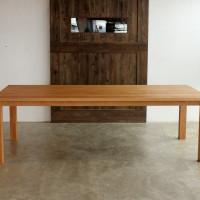 オークのダイニングテーブル、無垢