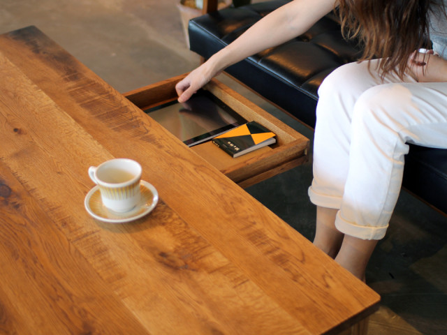ローテーブル、座卓、無垢、引き出し、抽斗、滋賀、家具